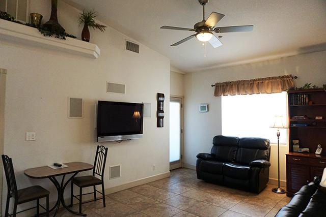1 bedroom oasis 101 adventure vacation rentals for Living room 101